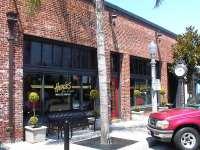 Heroe's Bar & Grill